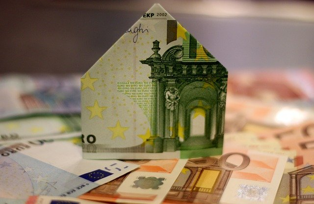 domeček z bankovky