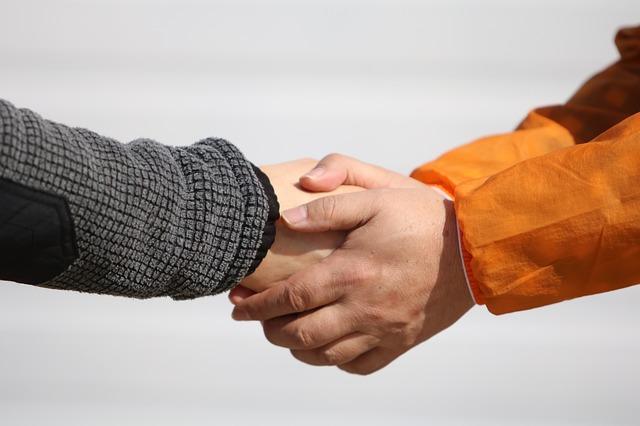 držení ruky.jpg