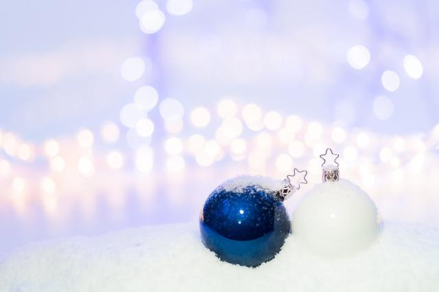 vánoční koule.jpg
